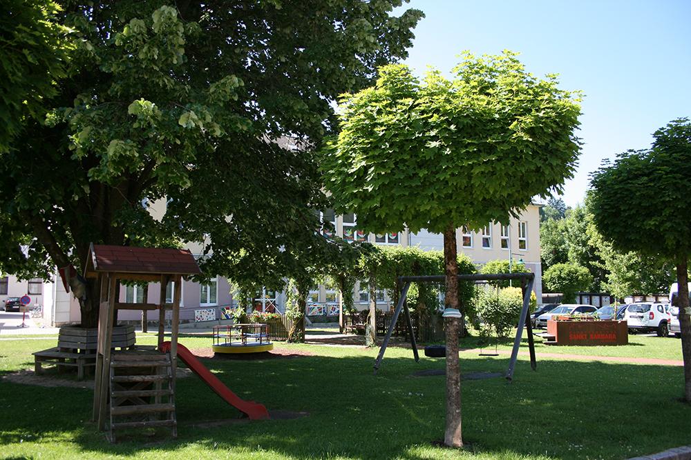 Gemeindevorplatz4
