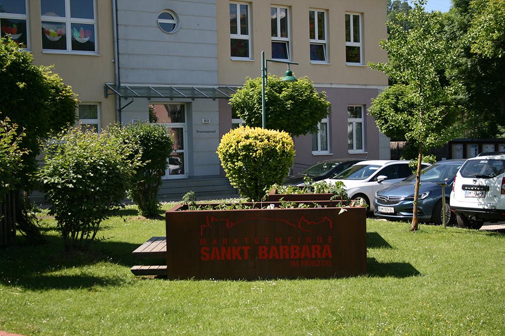 Gemeindevorplatz6