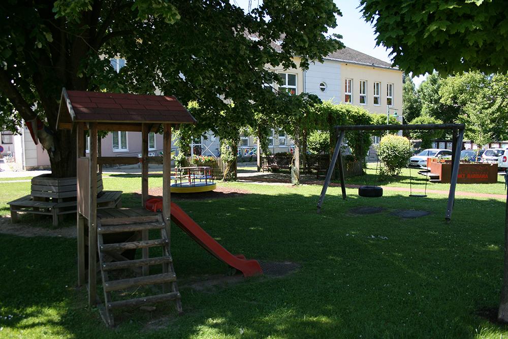 Gemeindevorplatz7